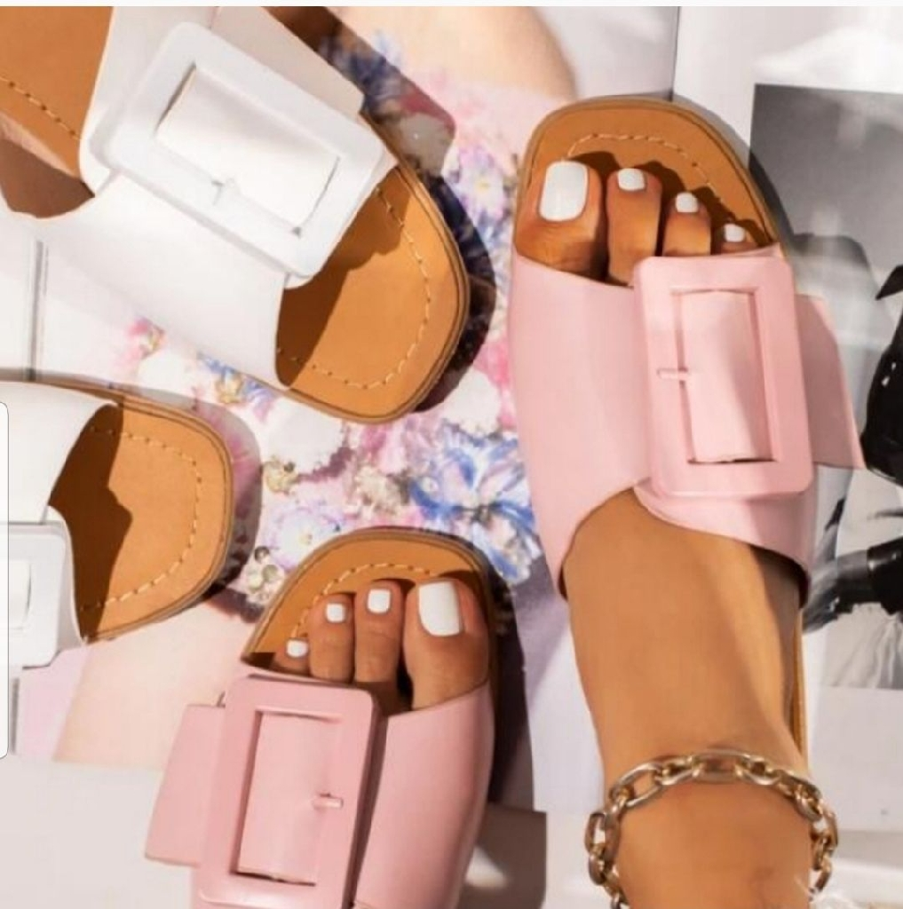 Women Fashion sandals size 7.5 , 8.5, 8, 9