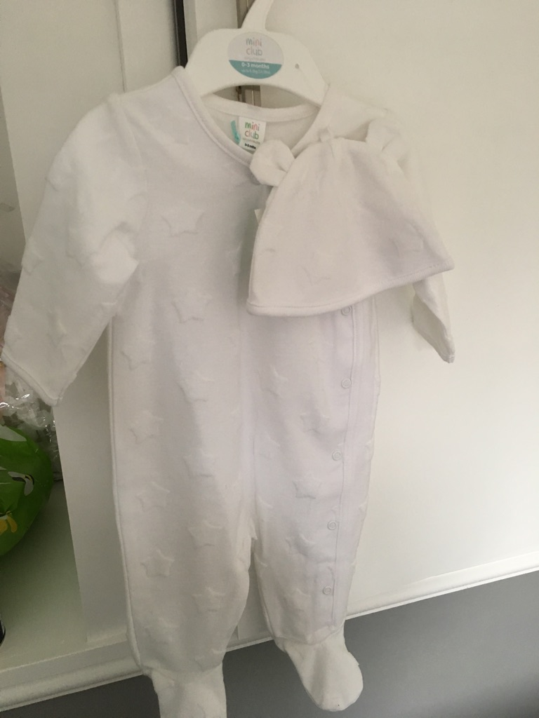 White Sleepsuit and hat set. New.