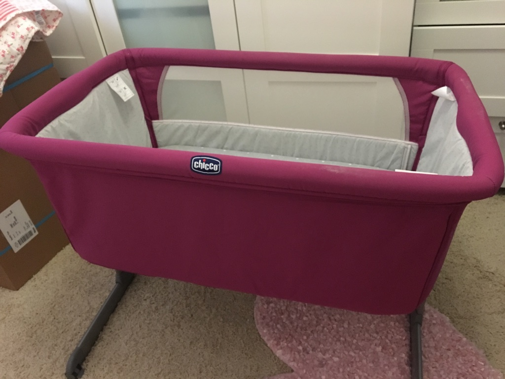 Chicco Next2Me Crib & Extra Mattress and Cover in Dove Grey