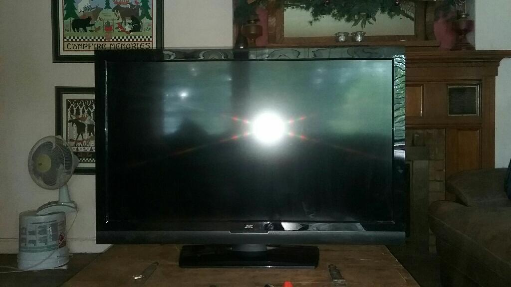 "JVC 42"" LCD FLATSCREEN"