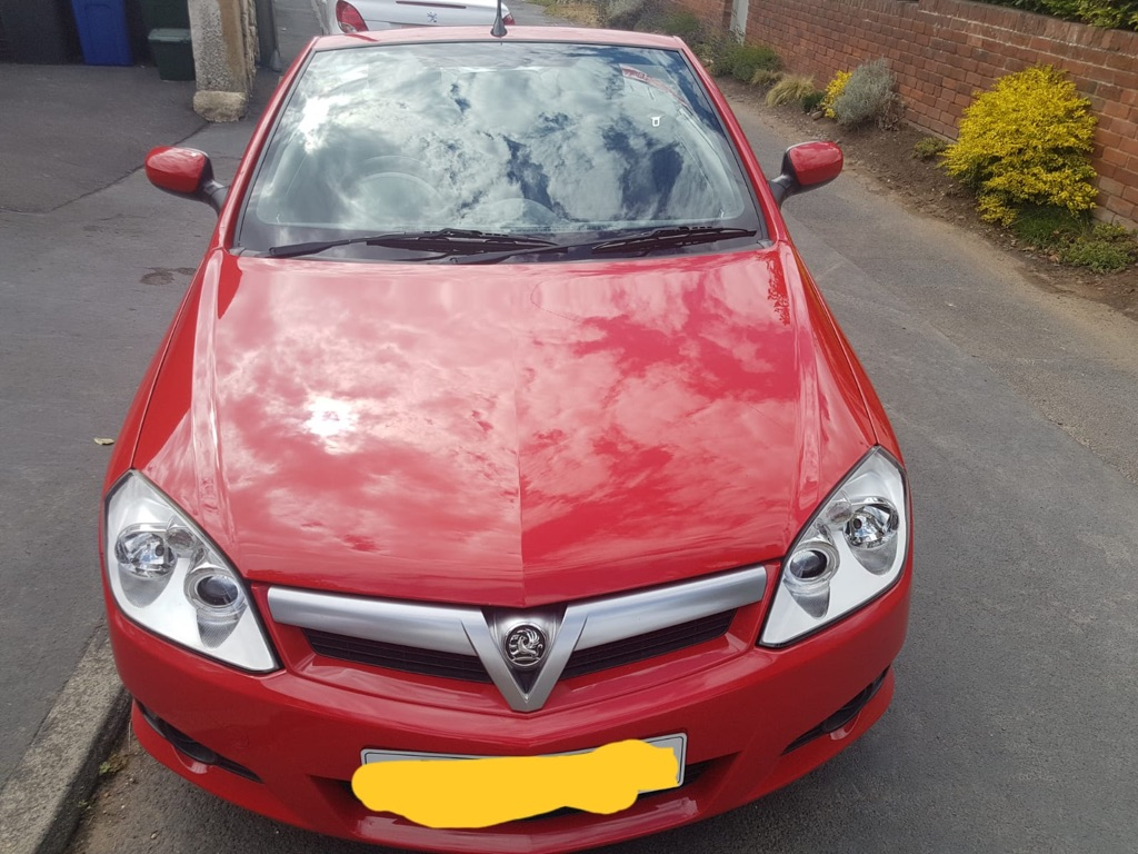 Red Vauxhall tigra