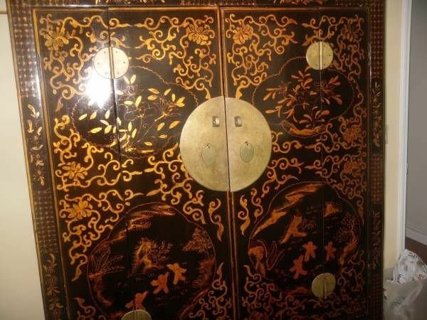 BEAUTIFUL CHINESE LINEN CLOSET