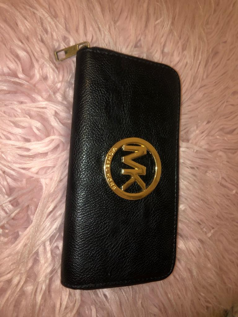 MK black purse