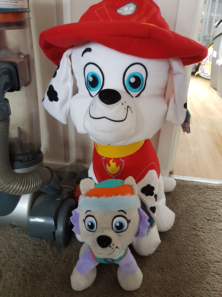 Paw patrol teddys approx 10 in total.