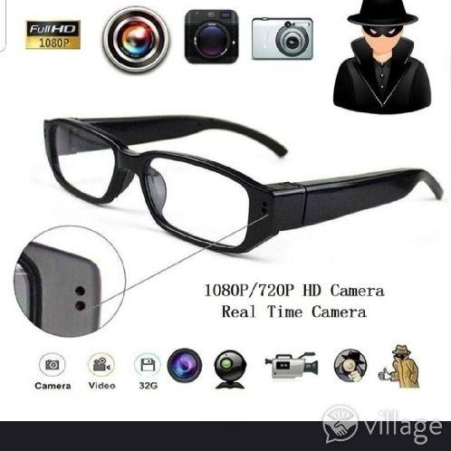 Brand New Smart Watch gold detail. Bluetooth wireless etc