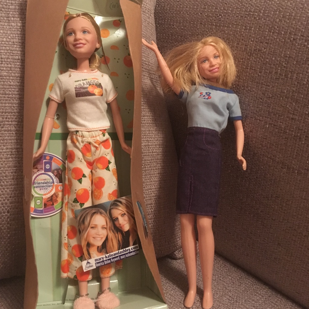 Mary Kate and Ashley Dolls- FriendshipGame Collection Price is for both. OBO