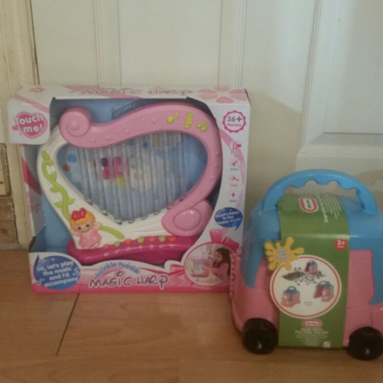 Little Tikes and magic harp