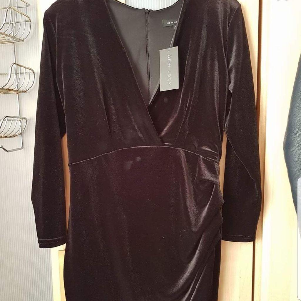 BNWT BLACK VELVET DRESS SIZE 14