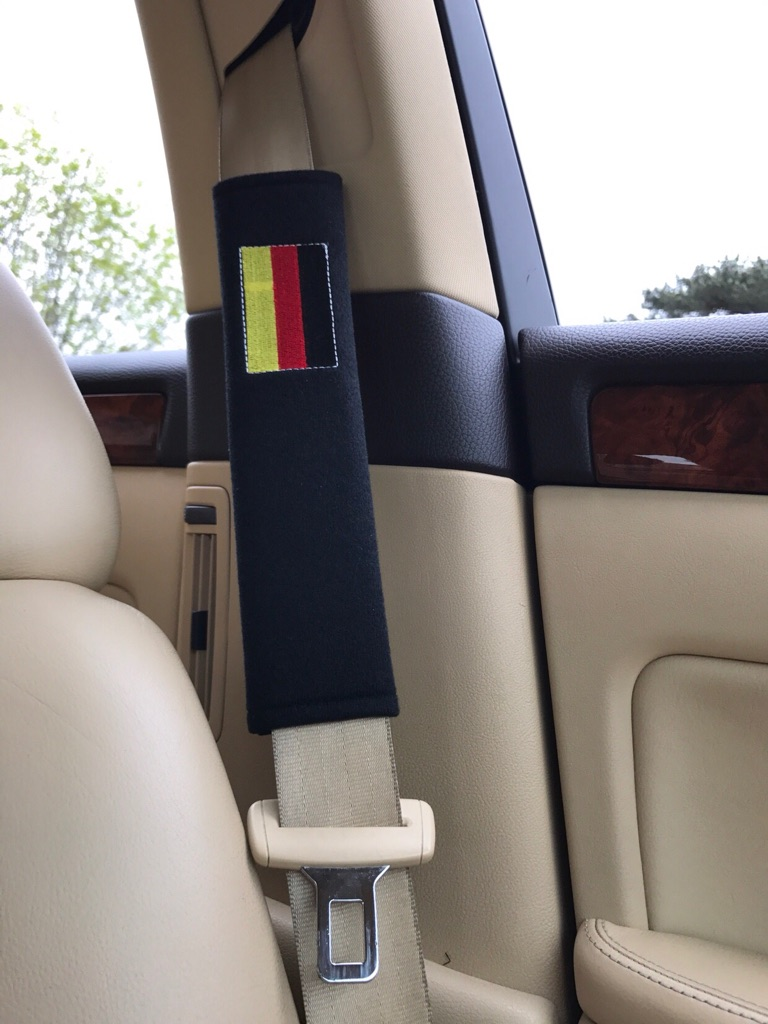 2X Seat Belt Pads Gift Germany Flag Flagge VW Audi BMW Mercedes