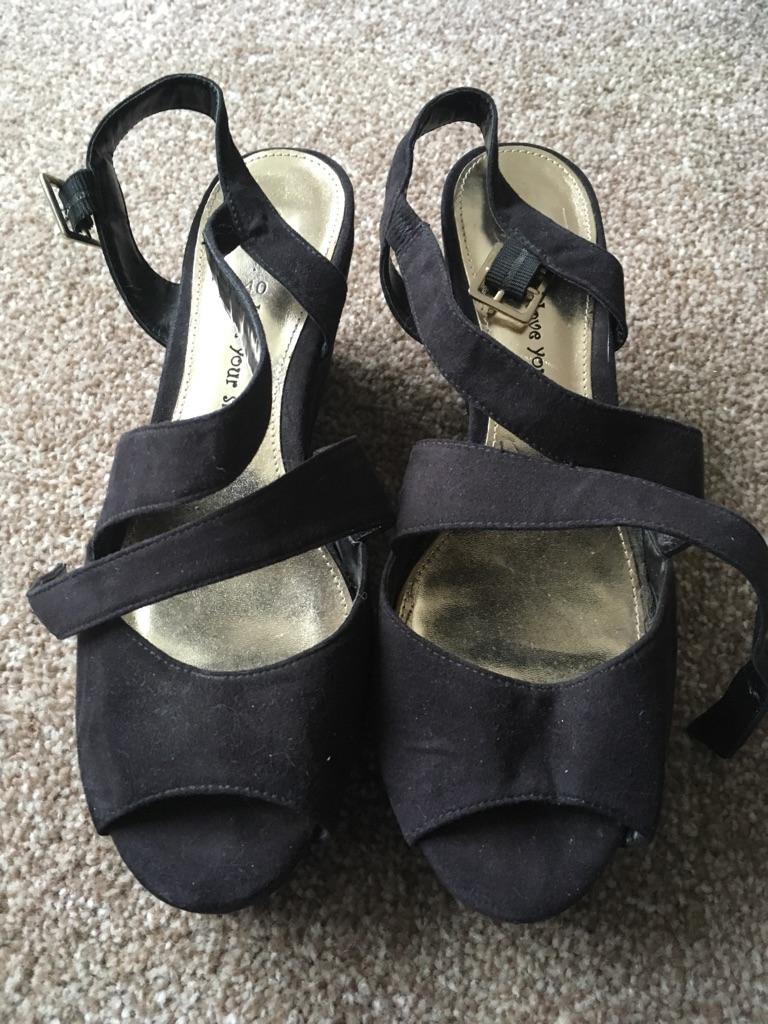 Size 6 wedge heel