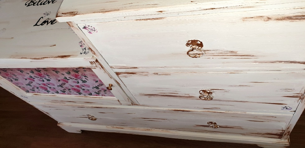 Large shabby chic chest of drawers
