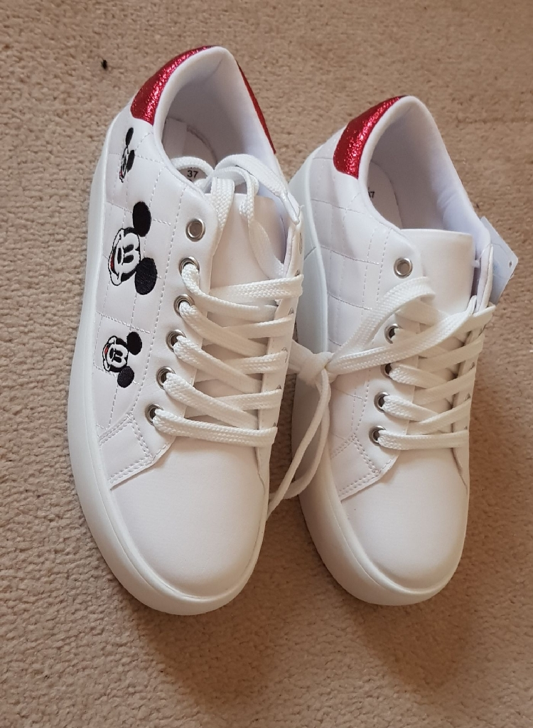 New  Mickey Mouse Sneakerrs Shoes  Size: 3