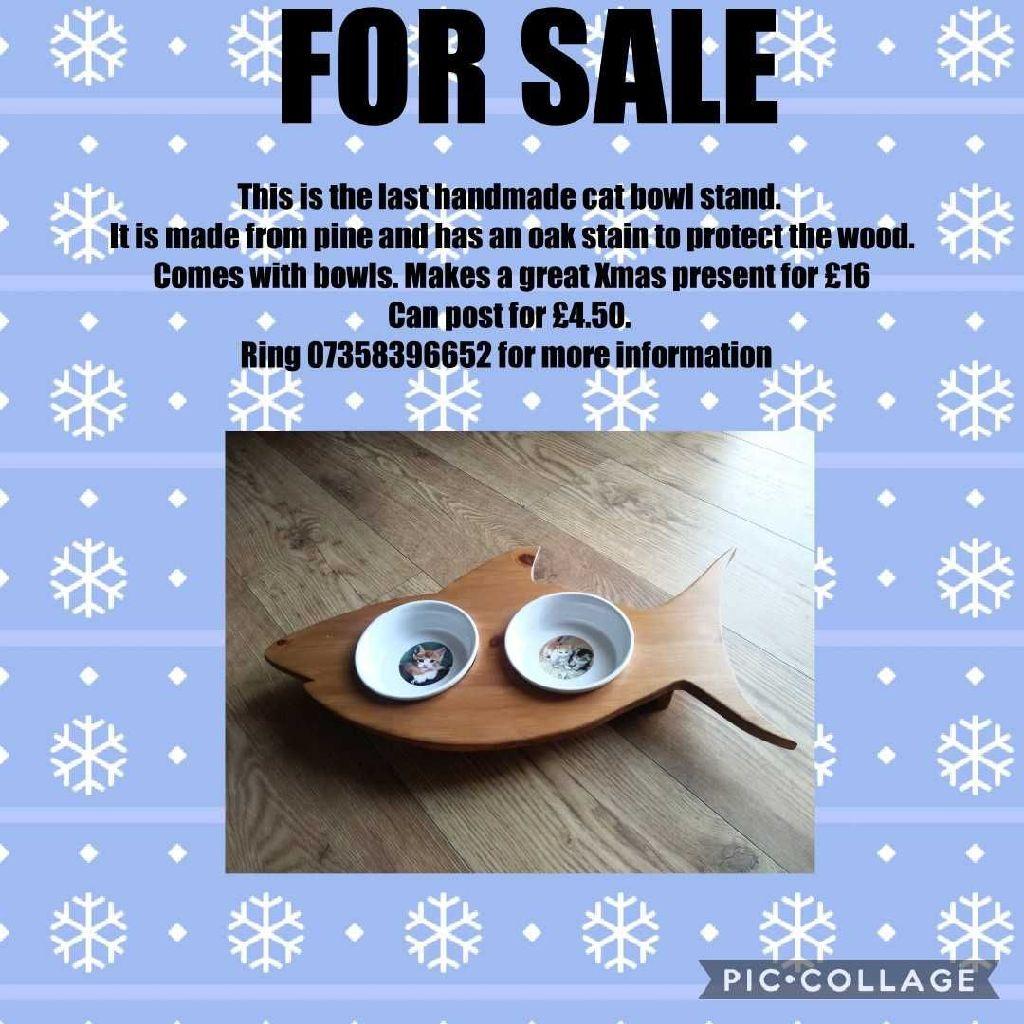Handmade pet bowl stand