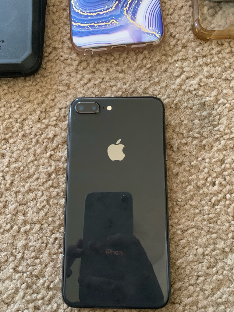 iPhone 8+ and phone cases