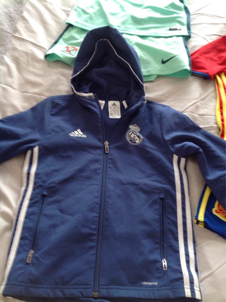 Bundle of kids football kits - fit age 7/8