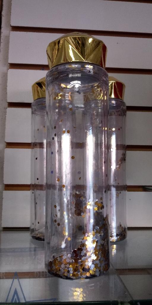 Diamond cap water bottle