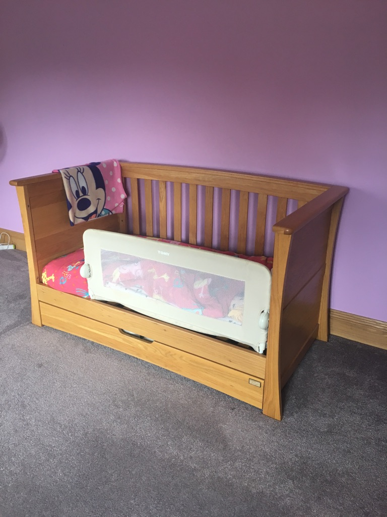 Cot bed and changing drawer unit