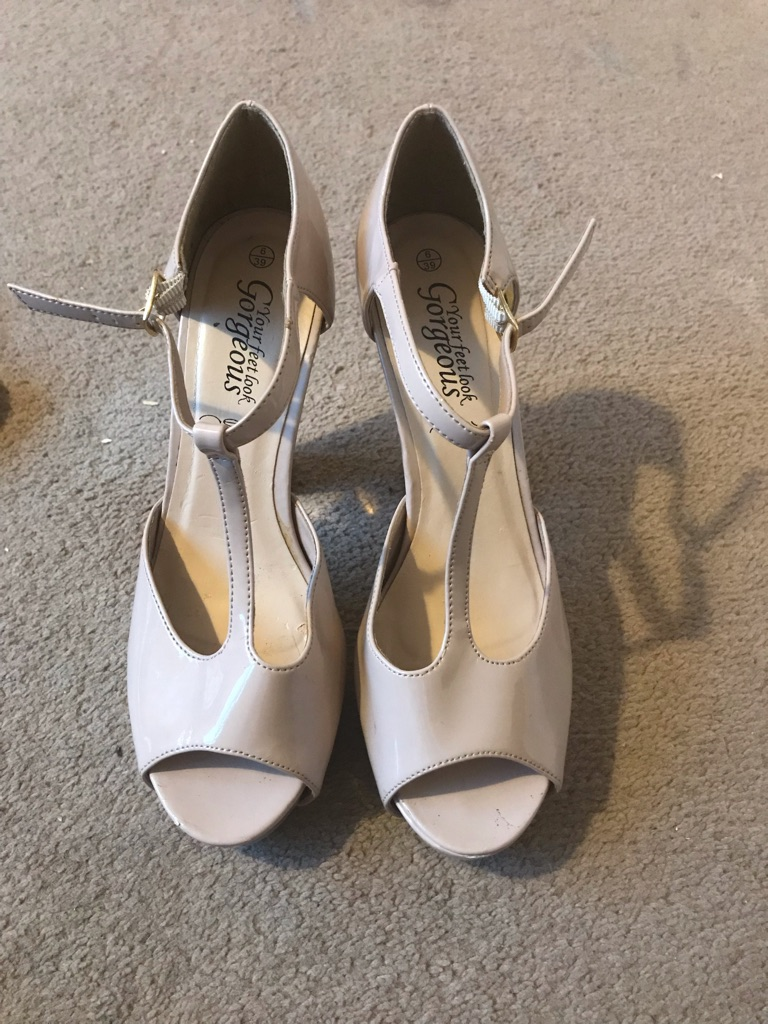 Beige with gold heels size 6