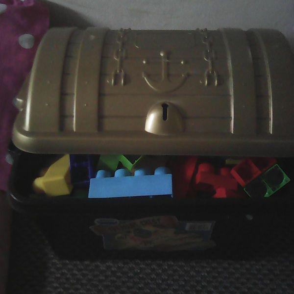 Treasure chest of duplo