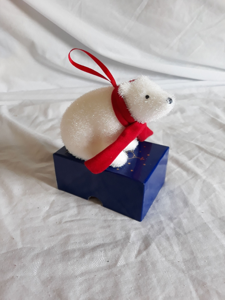 Polar bear Christmas tree decoration