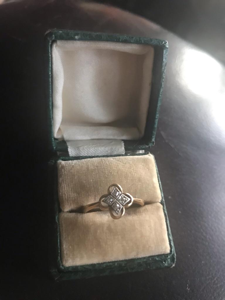 Antique ladies diamond ring