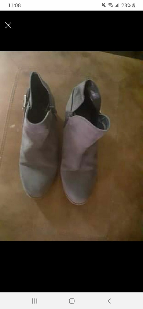 Grey size 6 boots