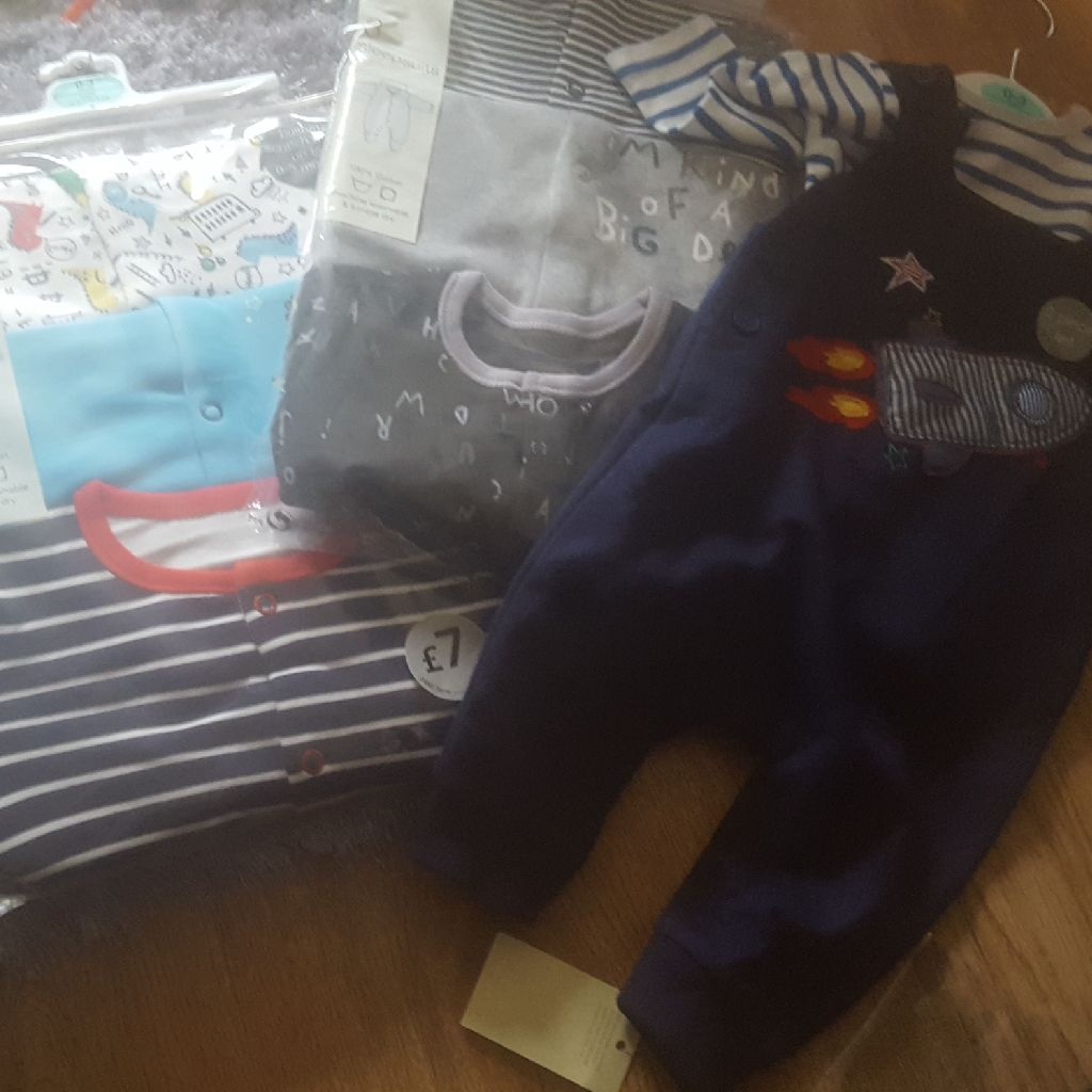 Boys brand new clothes 0-3