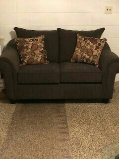 Brown couch and love seat  .. like new ..need gone ASAP ..must pick up
