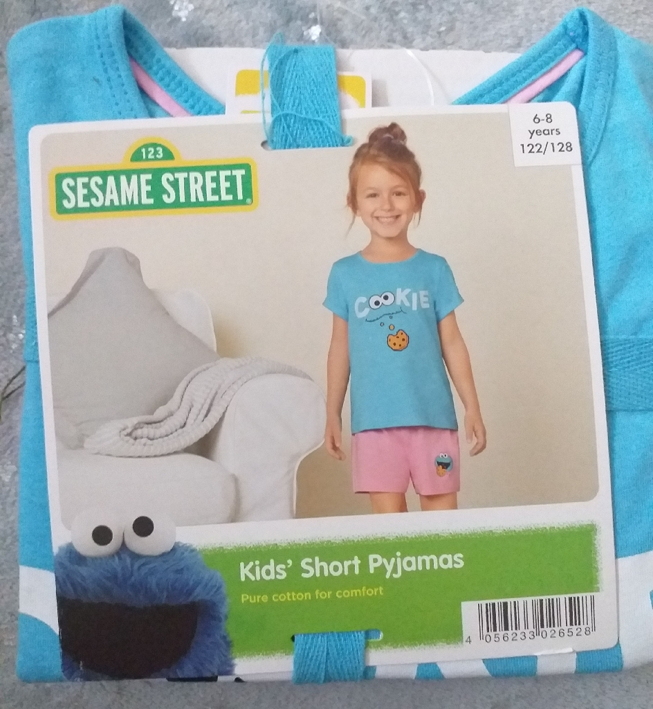 Kids girls pyjama 6-8 years 122/128 cm