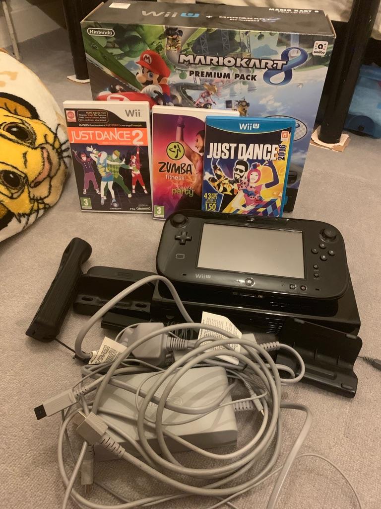 Nintendo Wii U Mario Kart 8 Premium Pack 32GB