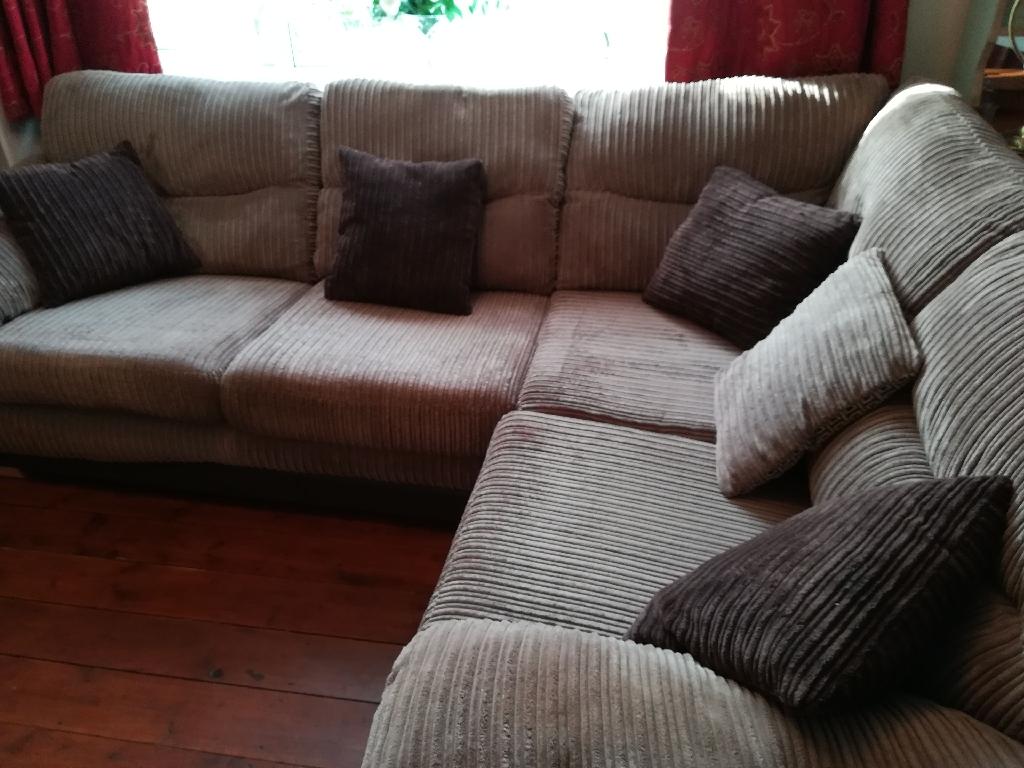 Corner sofa unit.