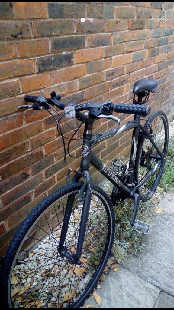 Trek 7200fx Hybrid Bike