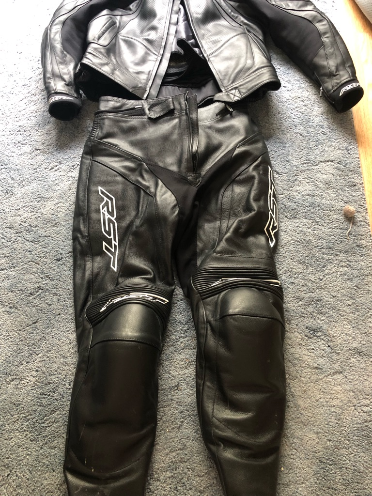 Rst blade leathers