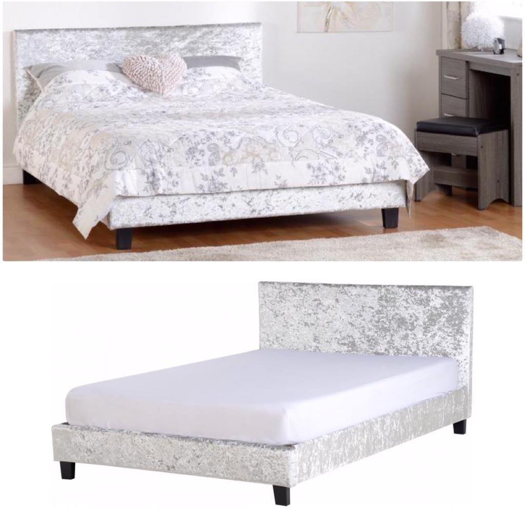 4'6 Crushed Velvet Bed