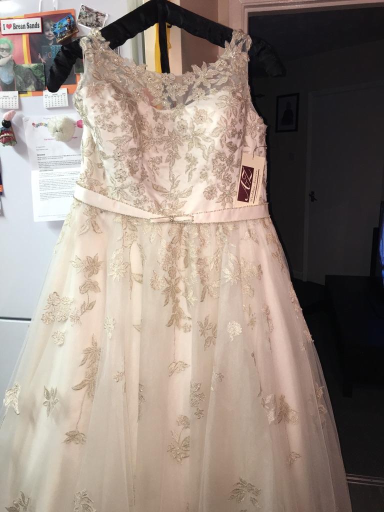 Callista milan wedding dress size 24 | Village
