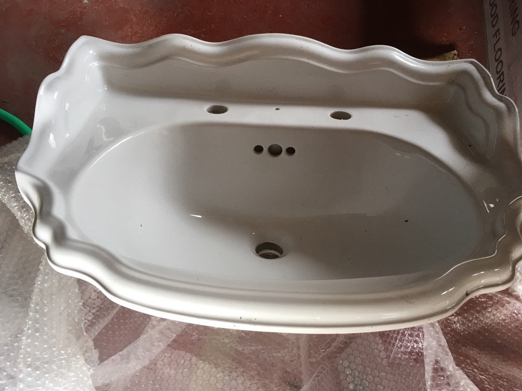 Leekes basin top in perfect condition