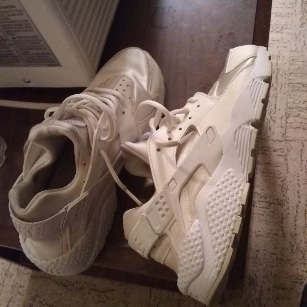 All White Female Huaraches