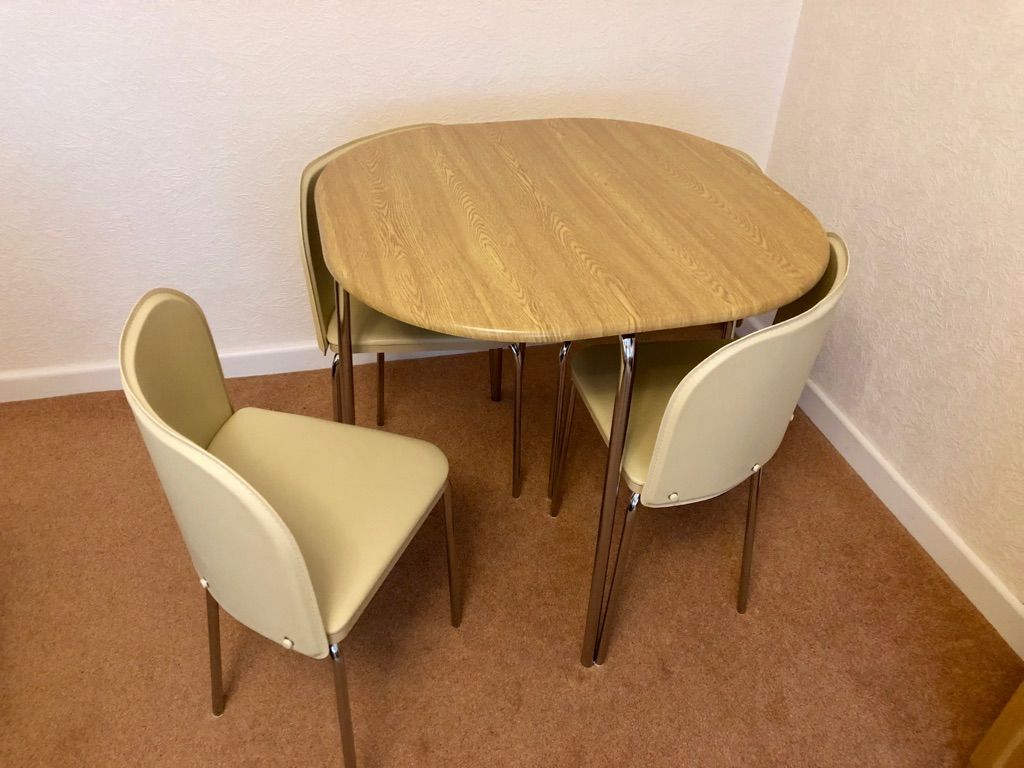 Space Saver dining table oak effect - cream