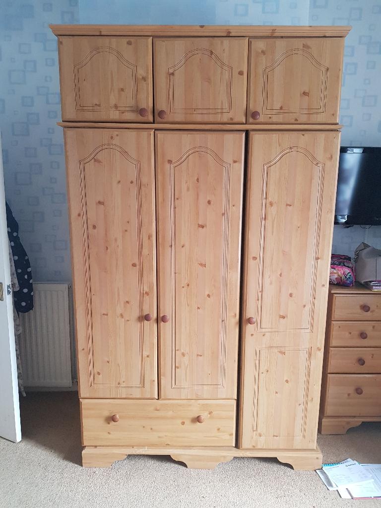 Pine bedroom furniture set