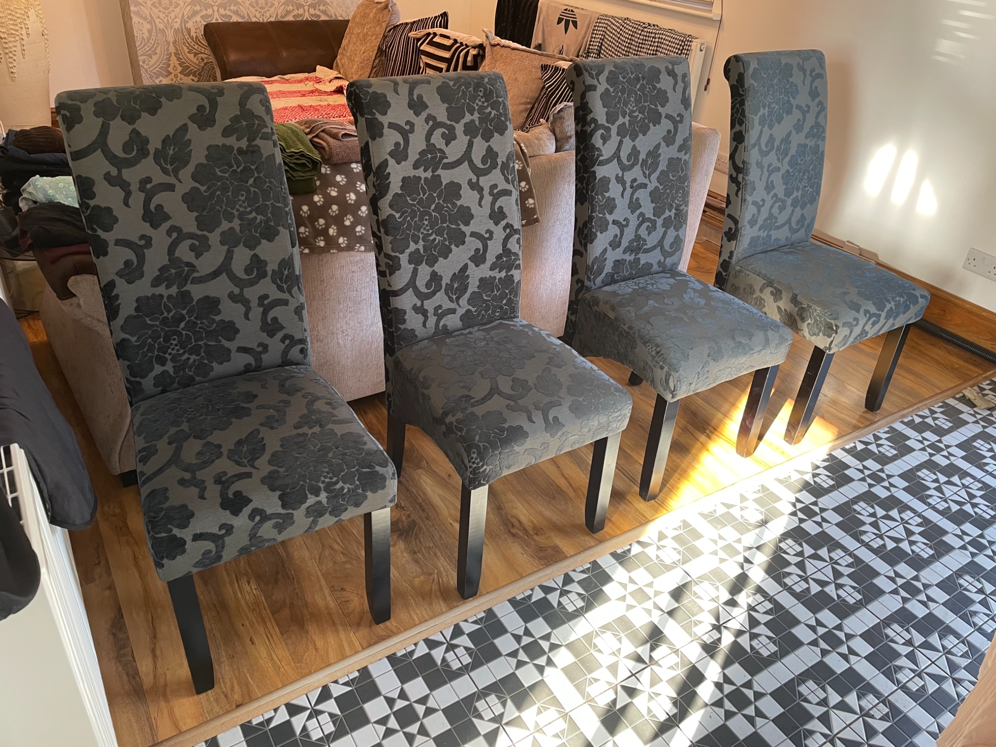 4 damask dining chairs 6 months old