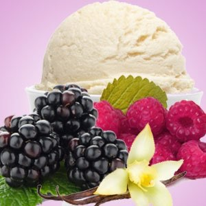 Black raspberry and vanilla small candle