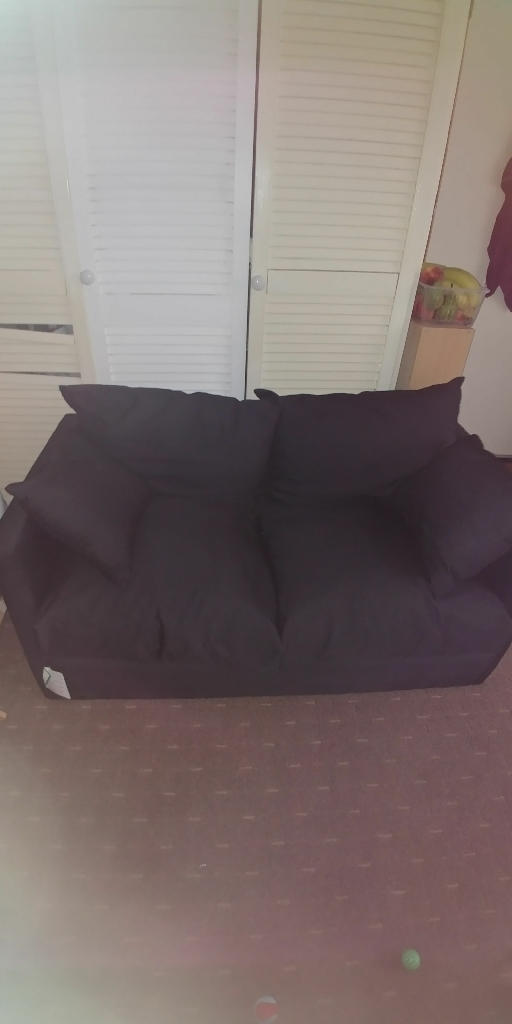 SELLING A BED SETTEE