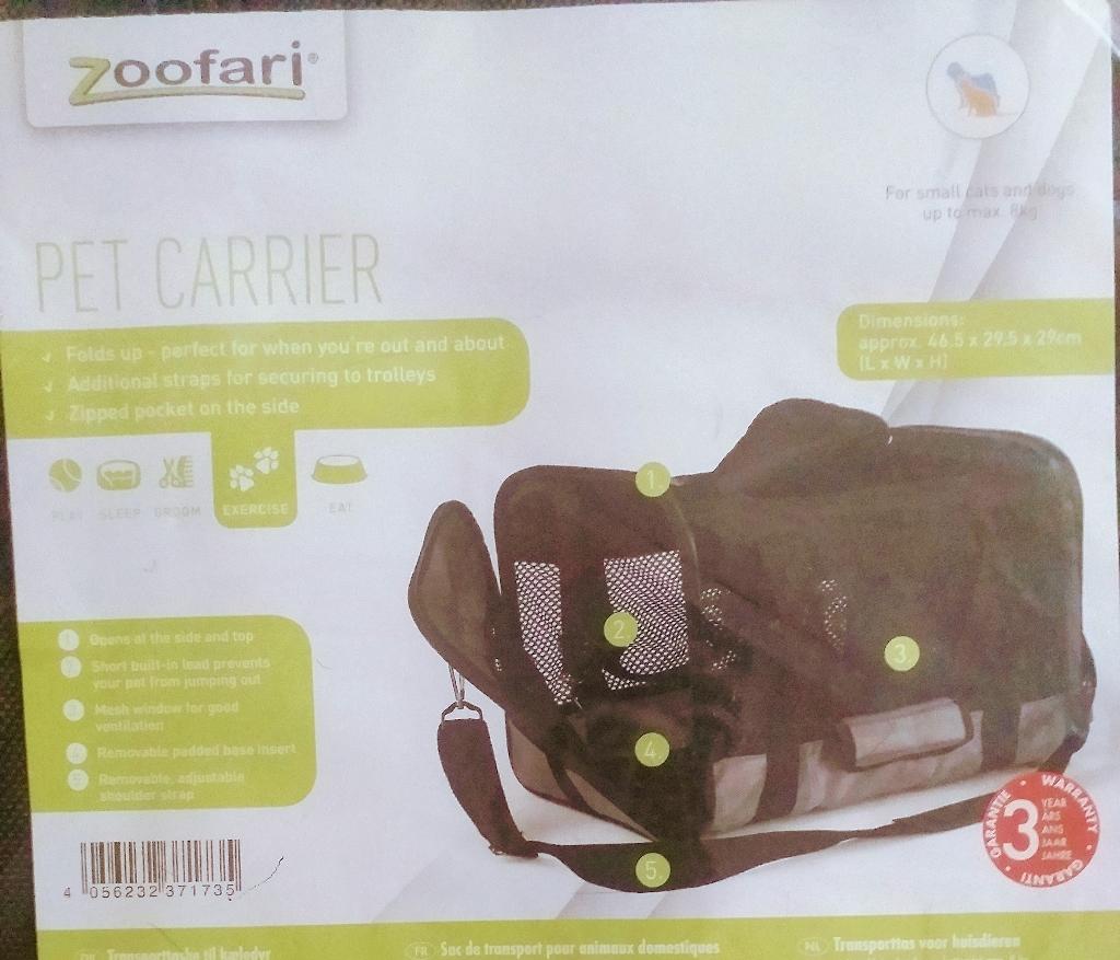 Pets carrier bag .