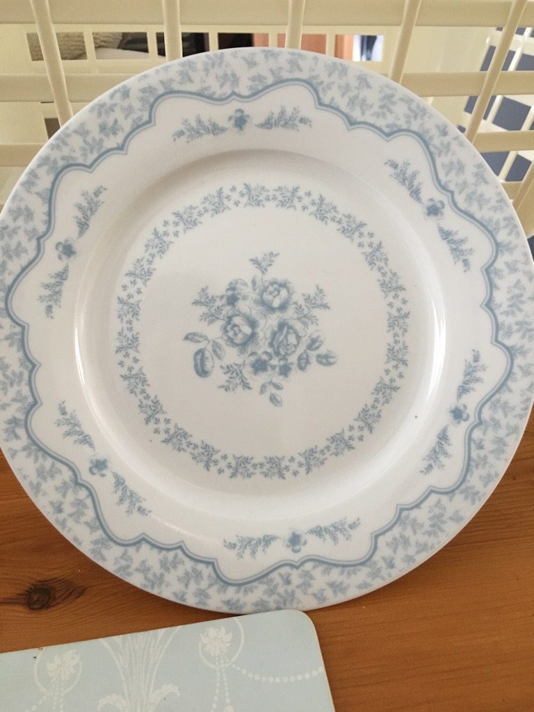 Dining set - plates, side plates and bowls