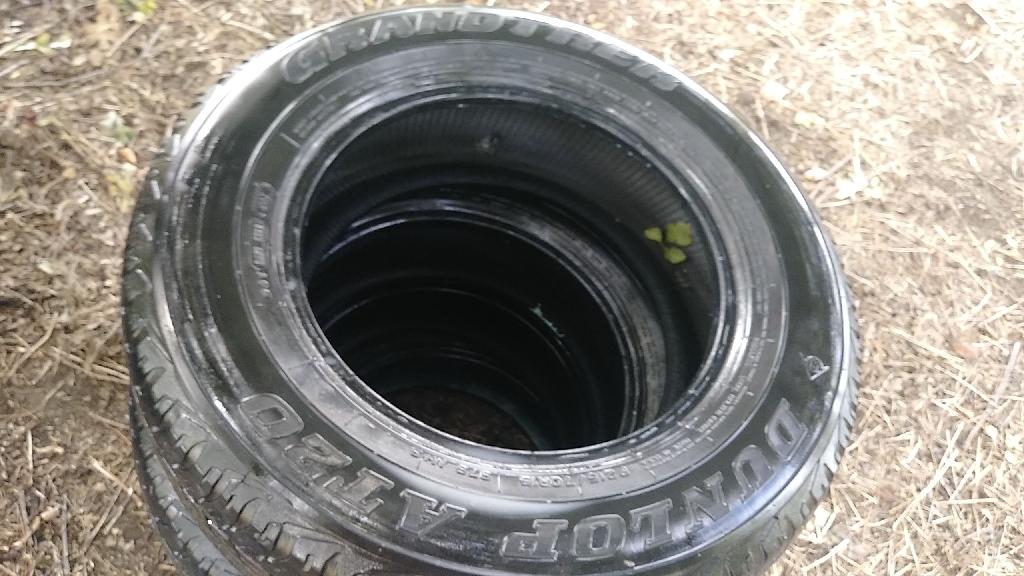 Complete set Dunlop 215 70r15