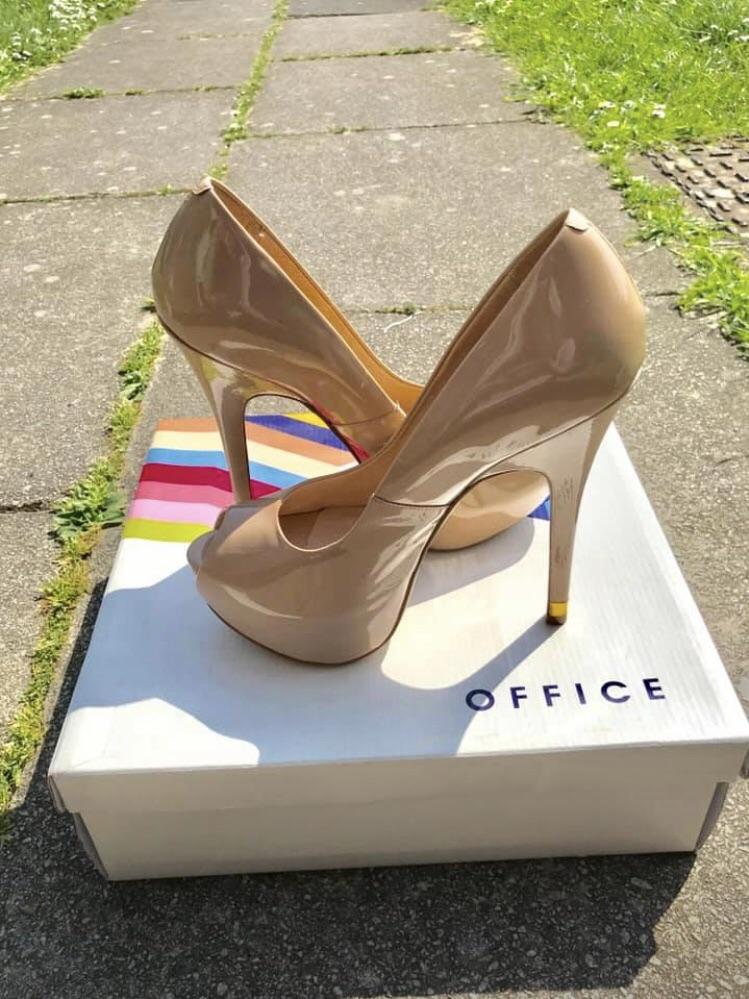 Stilettos (Brand new)