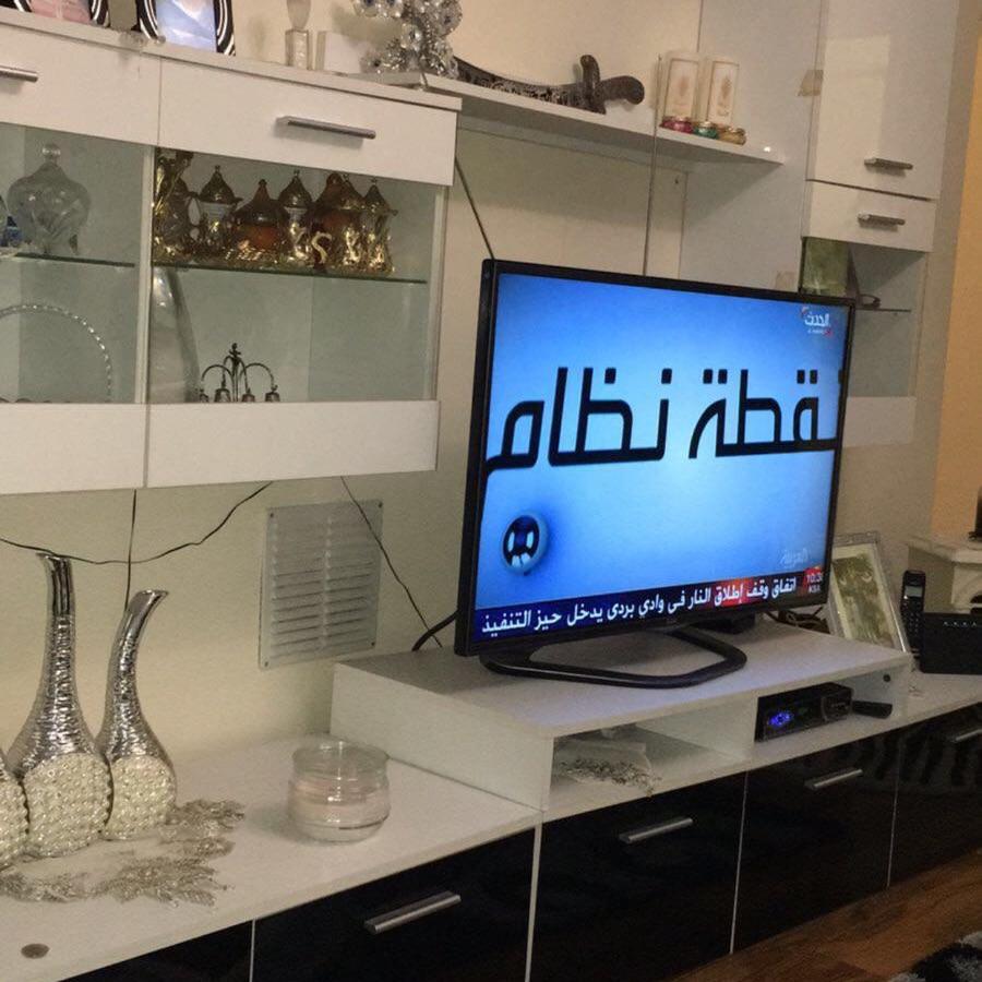 Black & white modern tv cabinet