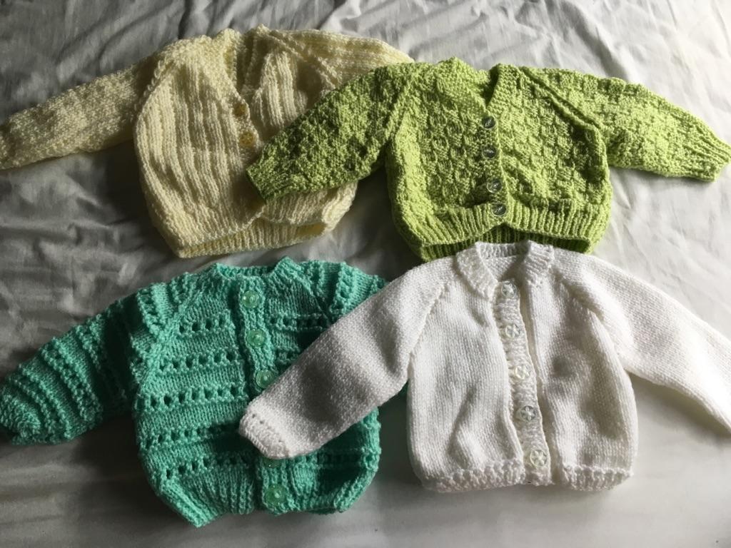 Knitted carridgans