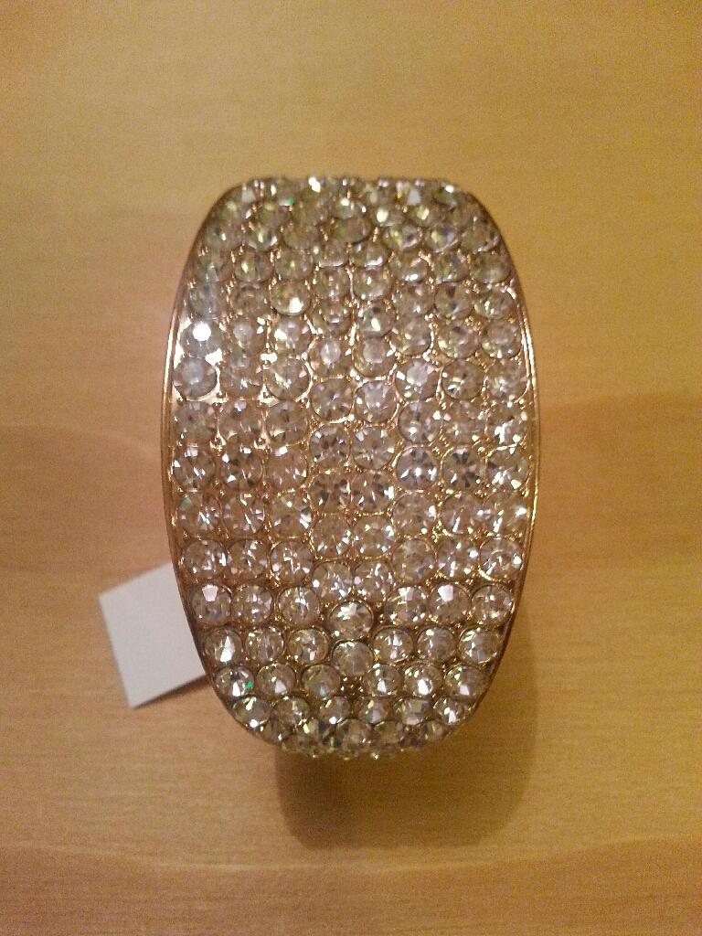 Ladies stunning gold bracelet