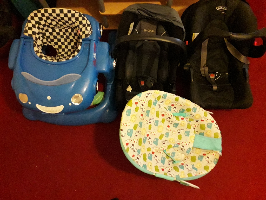 2 car seat baby bounce  and car walker